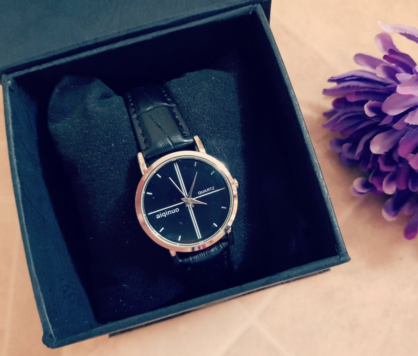 Ladies watch from GiftsOnline4U in box