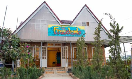 Freedumb Hostel