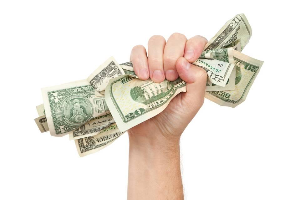 stipendio pagato in contanti