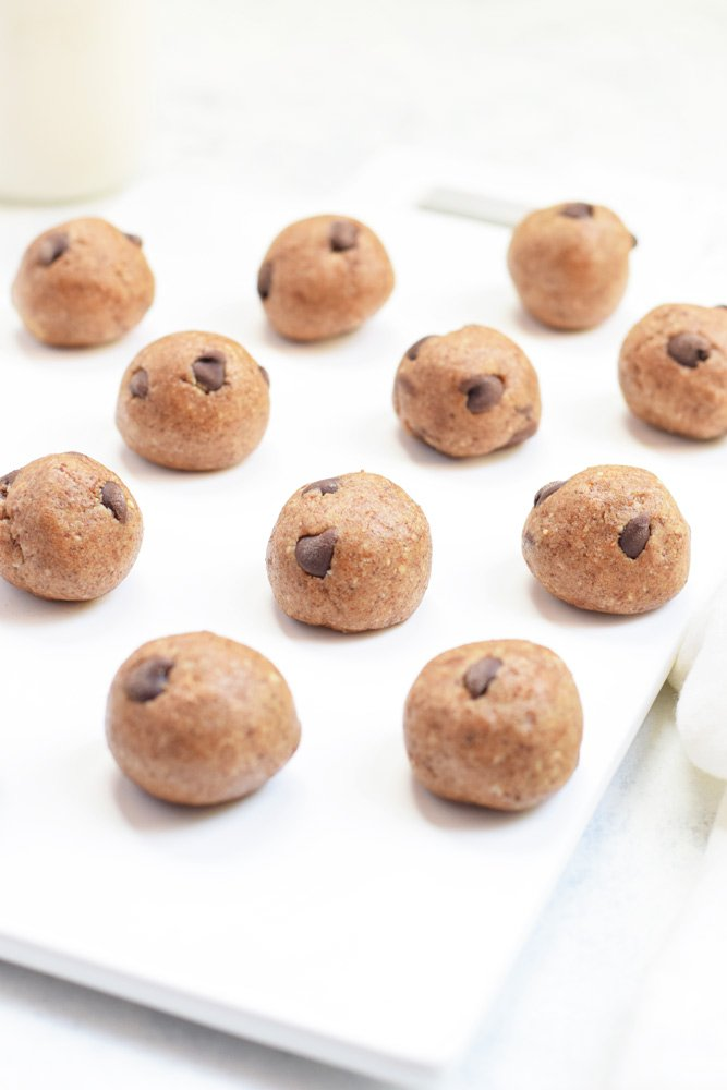 5-Ingredient Chocolate Chip Cookie Dough Bites