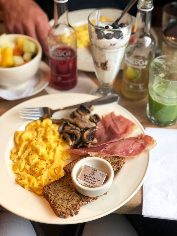 Breakfast at Le Pain Quotidien