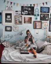 50 simply amazing vintage bedroom inspired ideas (24)