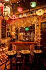 50 vintage bar decor ideas (37)