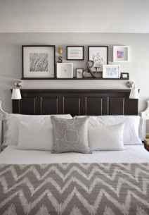 Gallery wall ideas bedroom (31)