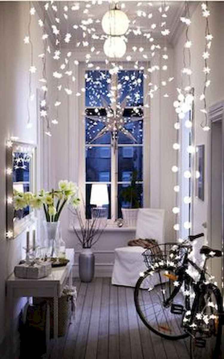 40 apartment decorating christmas lights (12)