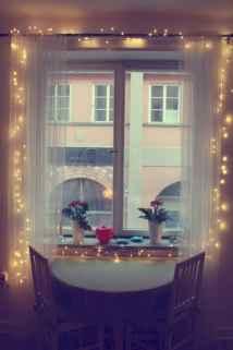 40 apartment decorating christmas lights (13)