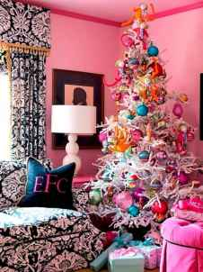 60 apartment decorating christmas ideas (33)
