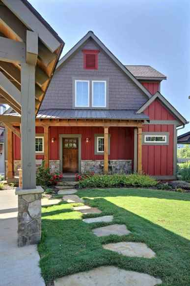 90 Modern American Farmhouse Exterior Landscaping Design (15)