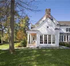90 Modern American Farmhouse Exterior Landscaping Design (30)