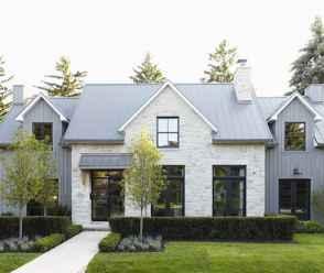 90 Modern American Farmhouse Exterior Landscaping Design (47)
