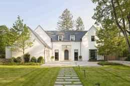 90 Modern American Farmhouse Exterior Landscaping Design (59)