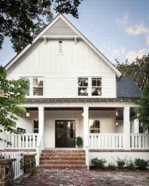 90 Modern American Farmhouse Exterior Landscaping Design 65