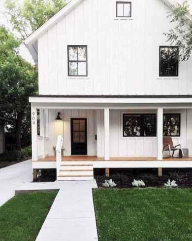 90 Modern American Farmhouse Exterior Landscaping Design (69)
