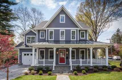 90 Modern American Farmhouse Exterior Landscaping Design (73)
