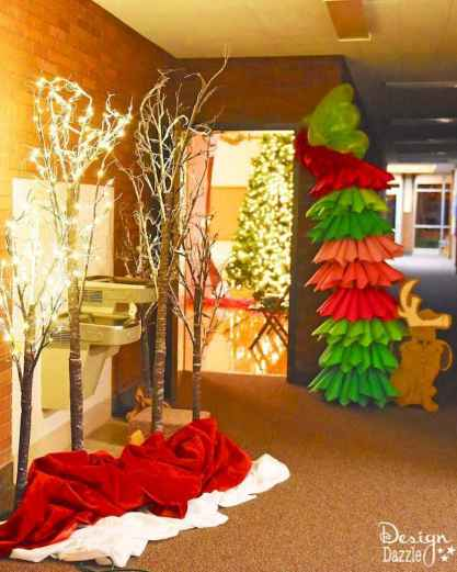 20 Best Christmas Party Decorations Photo Booths Ideas (3)