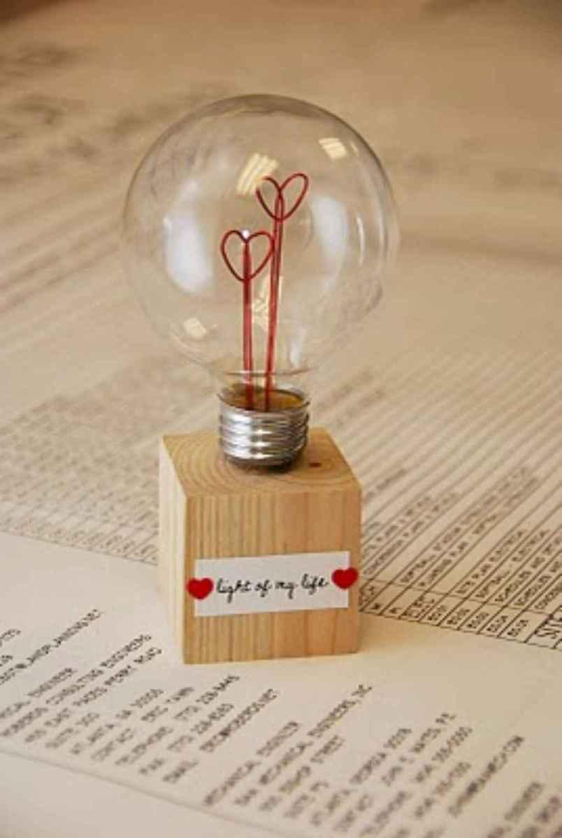 20 Easy DIY Christmas Crafts Ideas On A Budget (3)