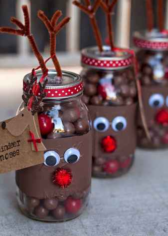 25 Aweome DIY Christmas Decorations Ideas For First Apartment (16)