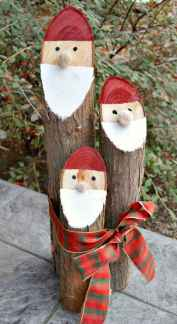 25 Aweome DIY Christmas Decorations Ideas For First Apartment (6)