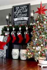 25 Awesome Christmas Decorations Apartment Ideas (24)