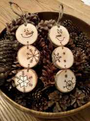 25 Gorgeous DIY Christmas Crafts Wooden Ideas (1)
