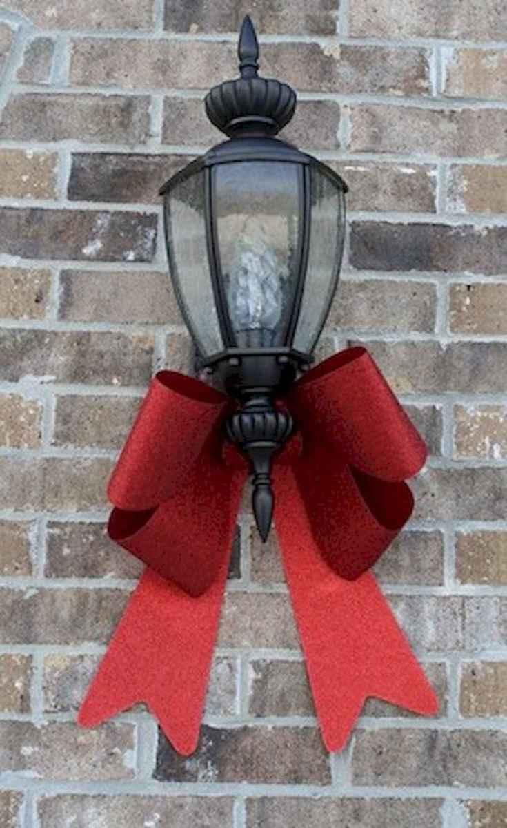 35 Beautiful Christmas Decorations Outdoor Lights Ideas (29)