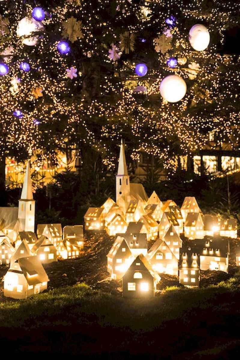 35 Beautiful Christmas Decorations Outdoor Lights Ideas (6)