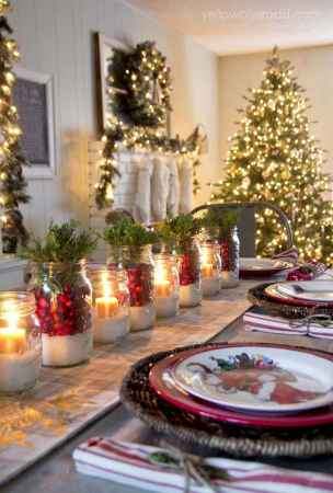 40 Awesome Christmas Dinner Table Decorations Ideas (21)