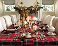 40 Awesome Christmas Dinner Table Decorations Ideas (6)