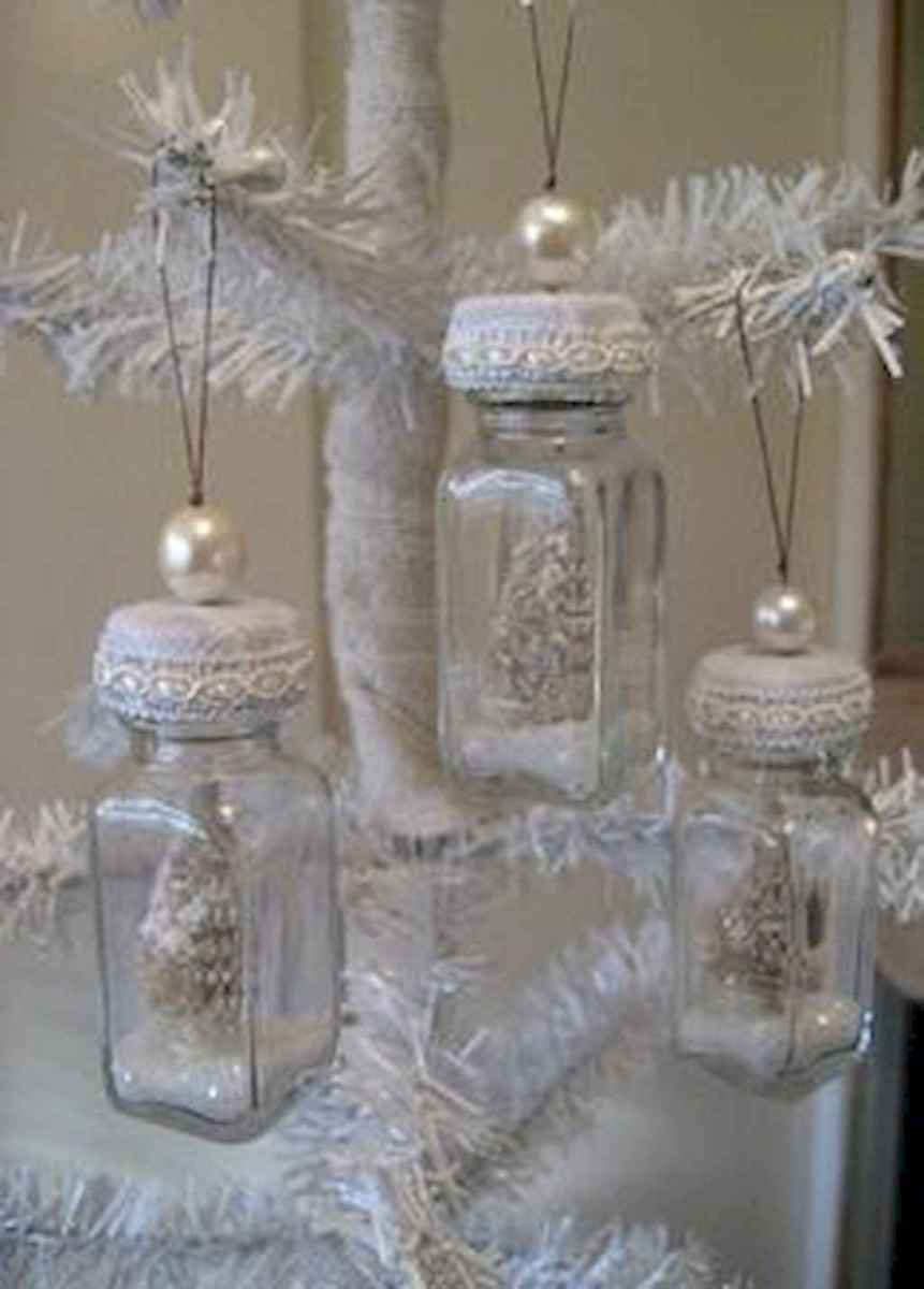 40 First Apartment Ideas Christmas Decorations Shabby Chic (21)