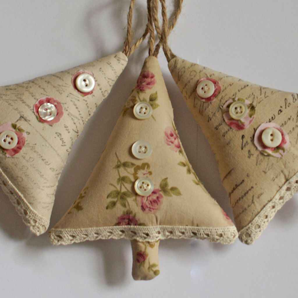 40 First Apartment Ideas Christmas Decorations Shabby Chic (3)