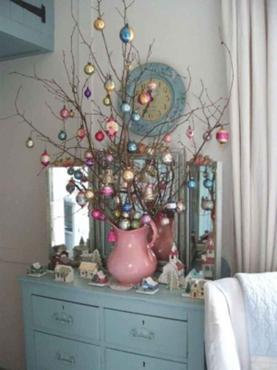 40 First Apartment Ideas Christmas Decorations Shabby Chic (40)