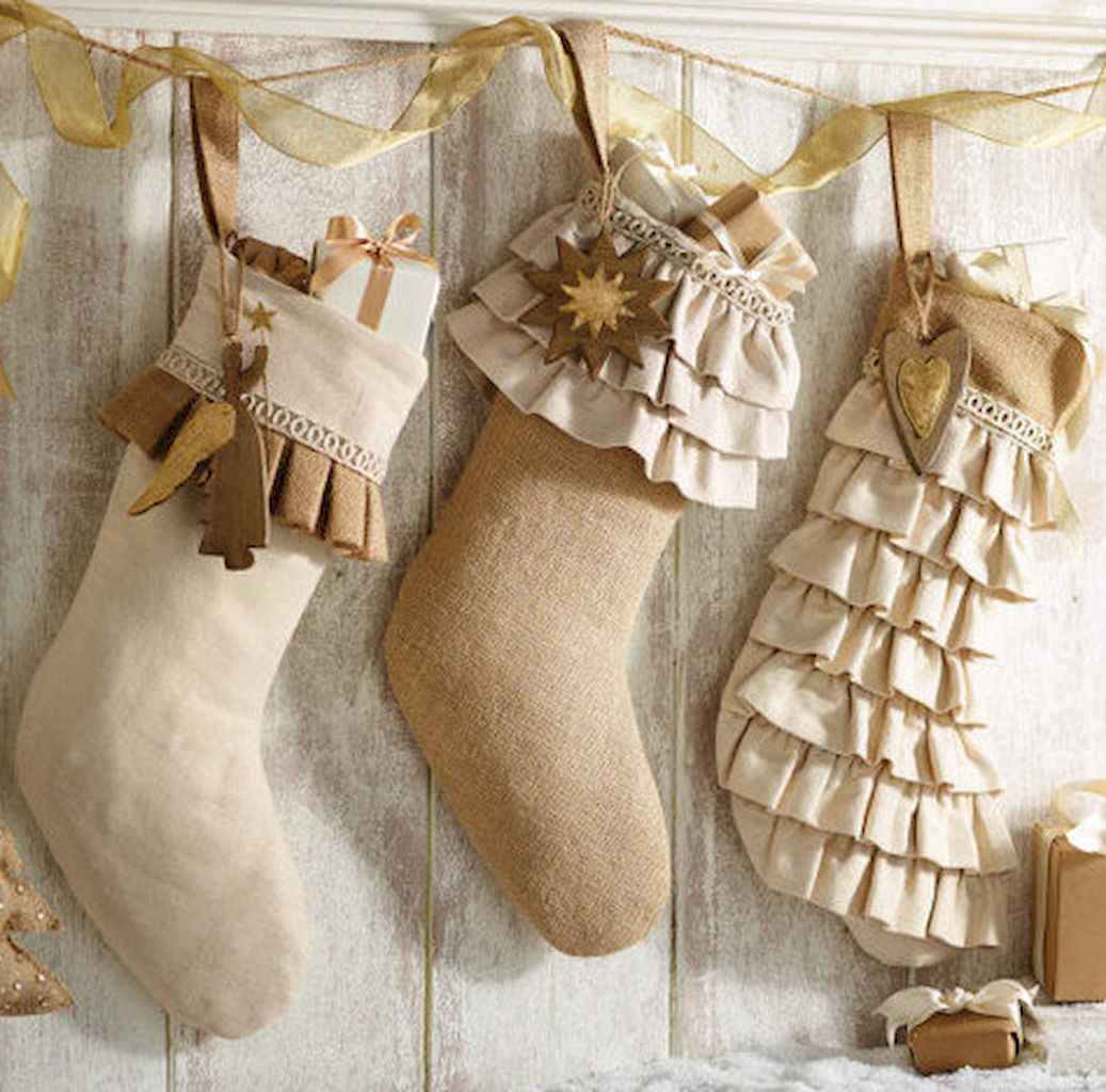 40 First Apartment Ideas Christmas Decorations Shabby Chic (6)