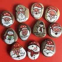 50 DIY Christmas Rock Painting Ideas (8)
