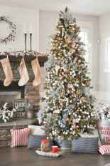 50 Stunning Modern Christmas Tree Decorations (24)