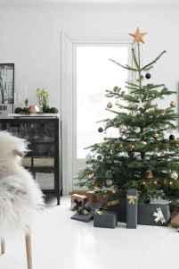 50 Stunning Modern Christmas Tree Decorations (33)