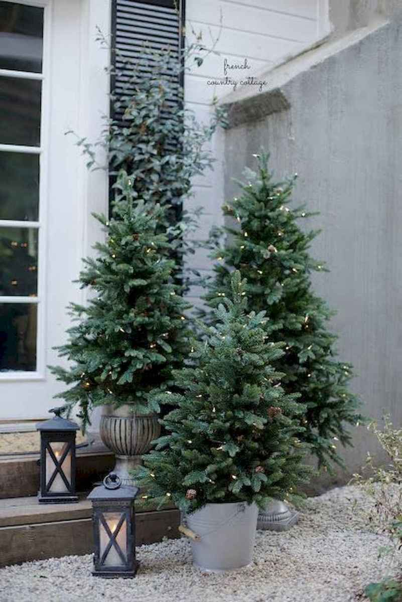 55 Front Porches Farmhouse Christmas Tree Decorations (17)