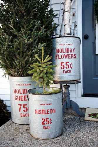 55 Front Porches Farmhouse Christmas Tree Decorations (20)