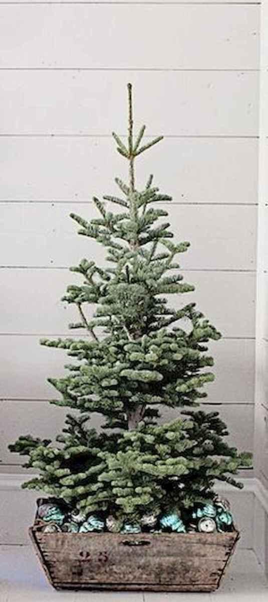 55 Front Porches Farmhouse Christmas Tree Decorations (25)