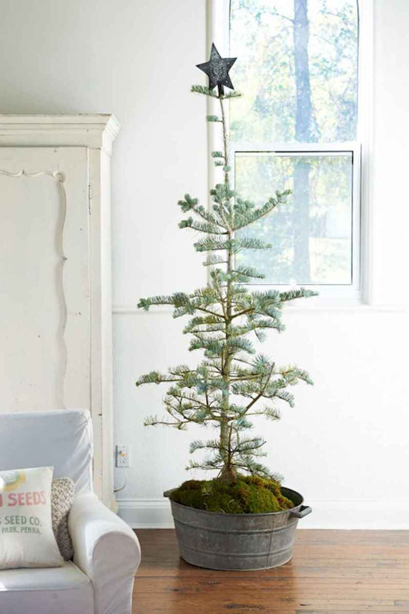 55 Front Porches Farmhouse Christmas Tree Decorations (31)