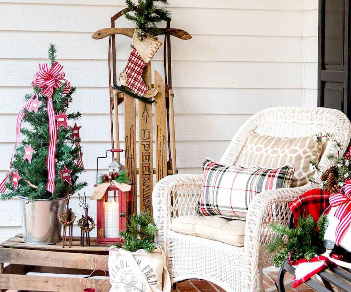 55 Front Porches Farmhouse Christmas Tree Decorations (8)