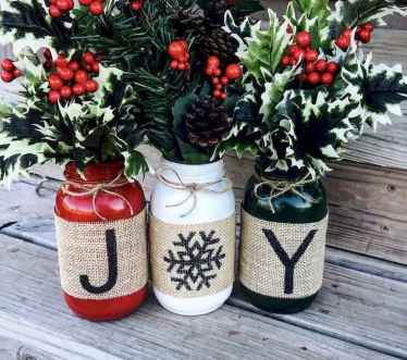 16 Christmas Decorations Ideas For First Apartment (12)