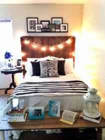 30 Amazing College Apartment Bedroom Decor Ideas (4)