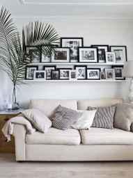 40 DIY Family Photos Display Ideas For Apartment Decor (23)