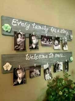 40 DIY Family Photos Display Ideas For Apartment Decor (37)