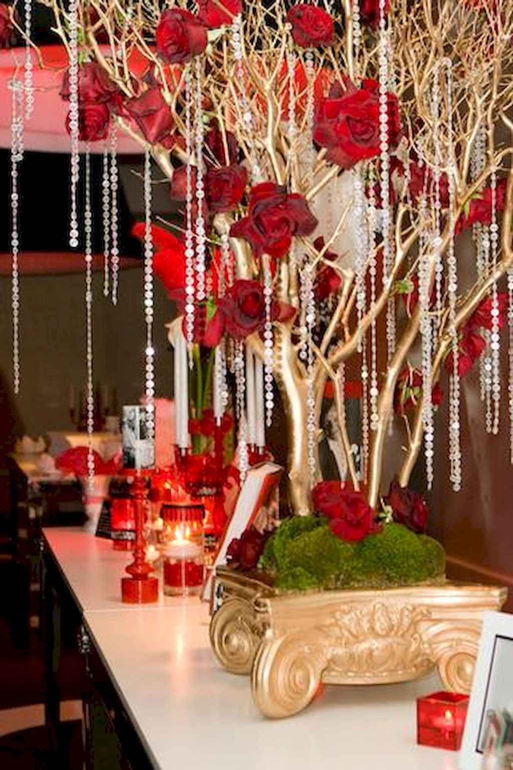 44 Romantic Valentines Party Decor Ideas (22)