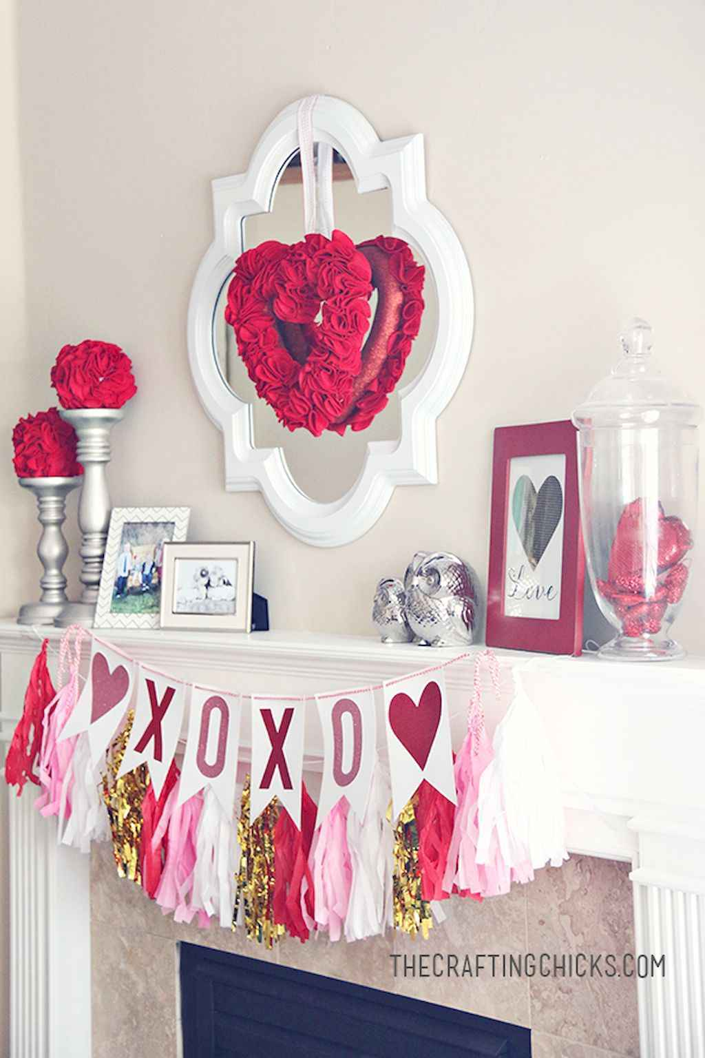 44 Romantic Valentines Party Decor Ideas (33)