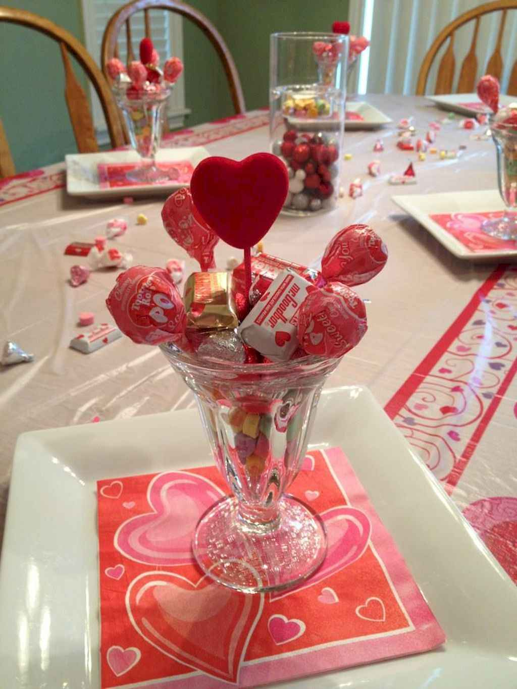 44 Romantic Valentines Party Decor Ideas (39)