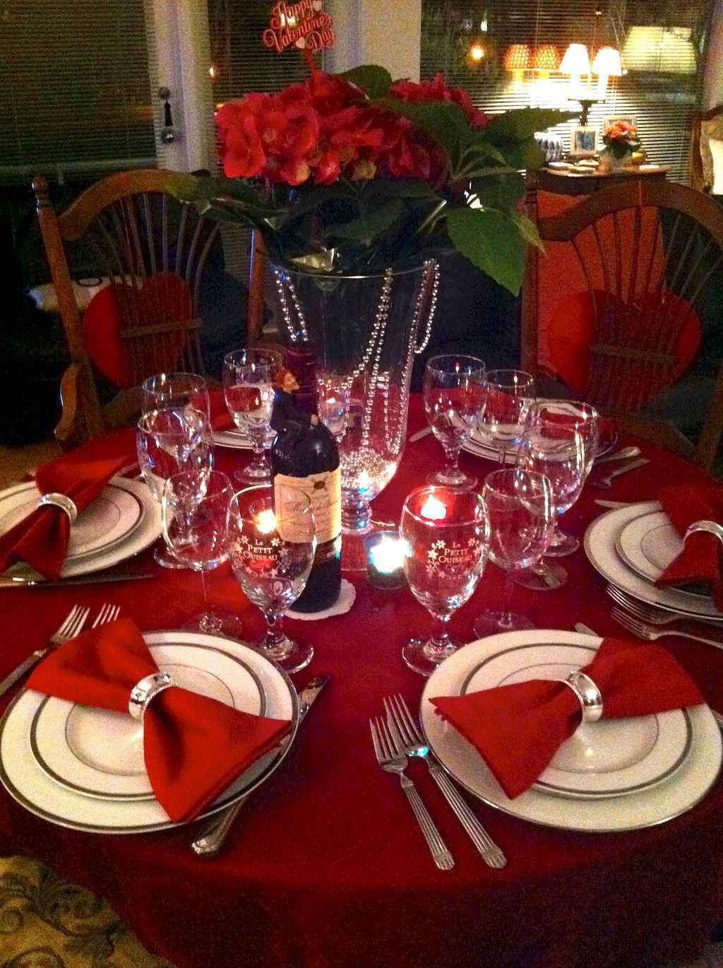 44 Romantic Valentines Party Decor Ideas (40)