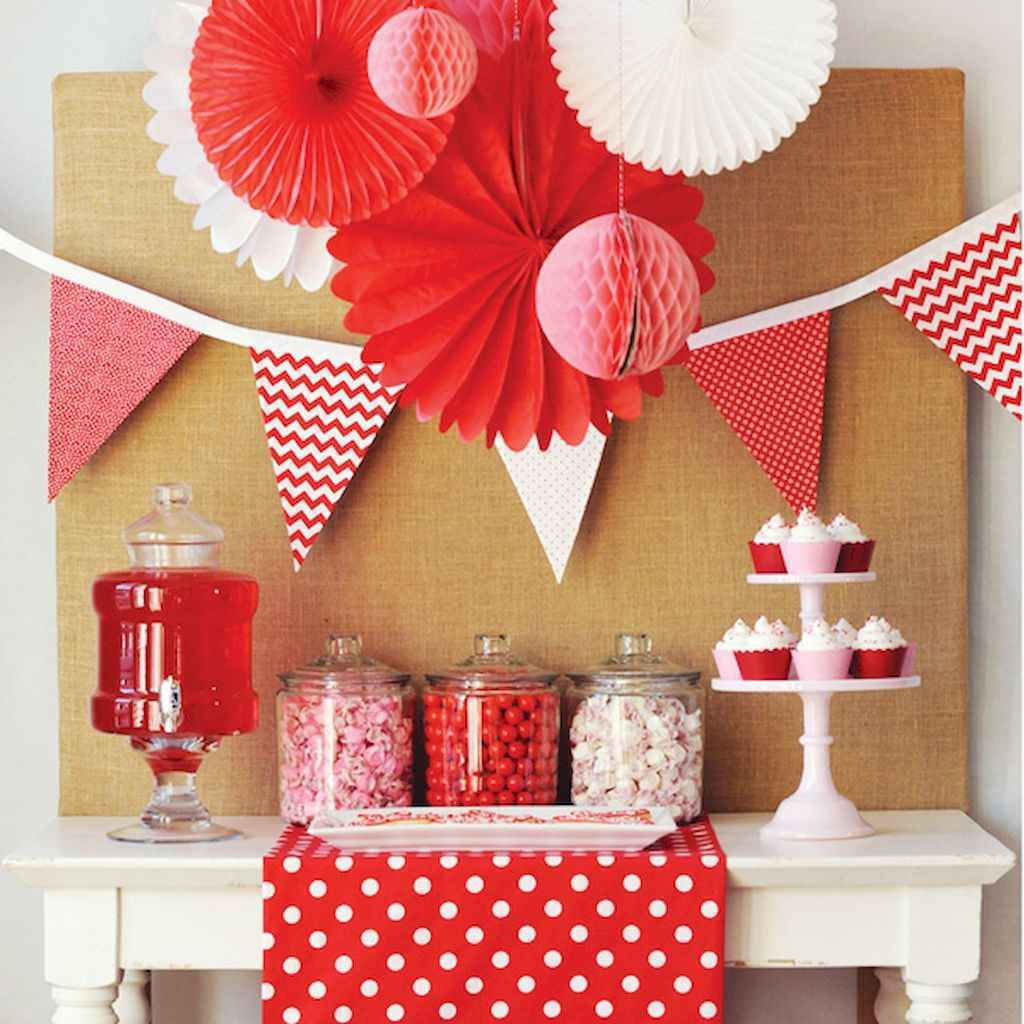 44 Romantic Valentines Party Decor Ideas (7)