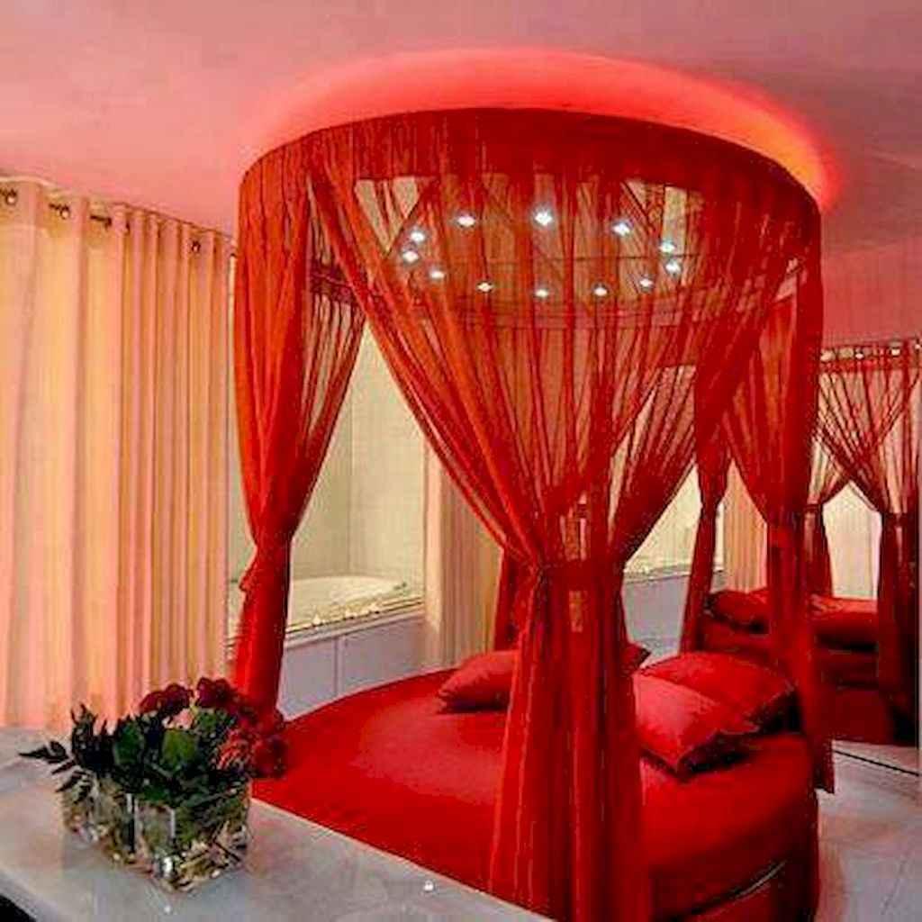 50 Romantic Valentine Bedroom Decor Ideas (13)